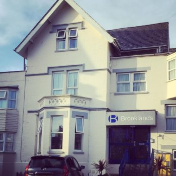 Cheap Bed and Breakfast Bournemouth: Brooklands Bed and Breakfast, West Cliff Bournemouth