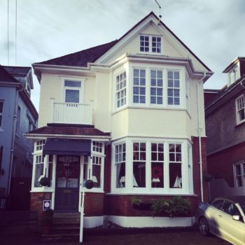 Cheap Bed and Breakfast Bournemouth: Fircliff Guest House, Alum Chine, Bournemouth