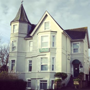 Cheap Bed and Breakfast Bournemouth: Winter Dene Hotel, West Bournemouth