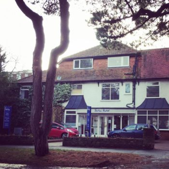 Cheap Bed and Breakfast Bournemouth: Yenton Hotel, East Bournemouth